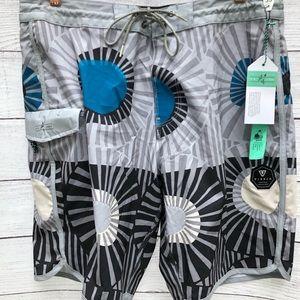 VISSLA The Lark Boardshorts NWT Size 33